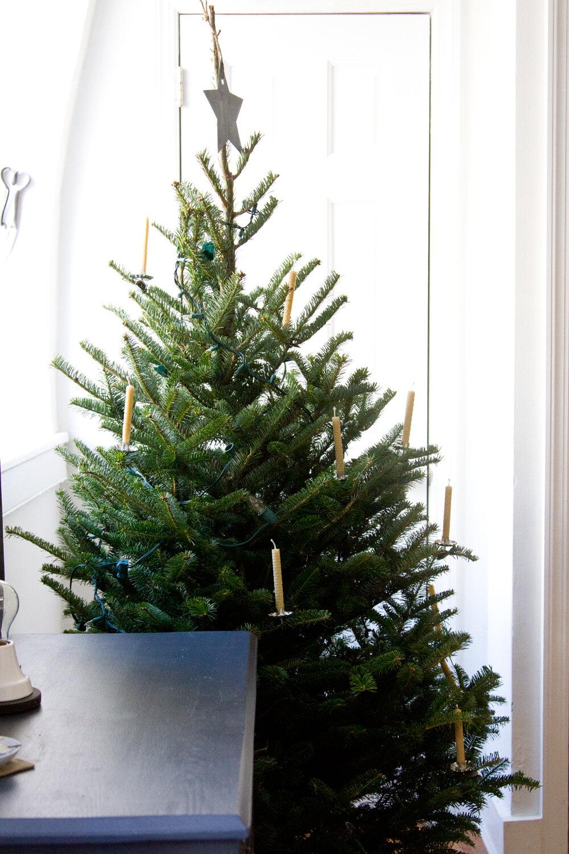 christmas decorations | reading my tea leaves