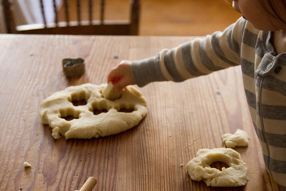 make your own five-minute playdough | reading my tea leaves
