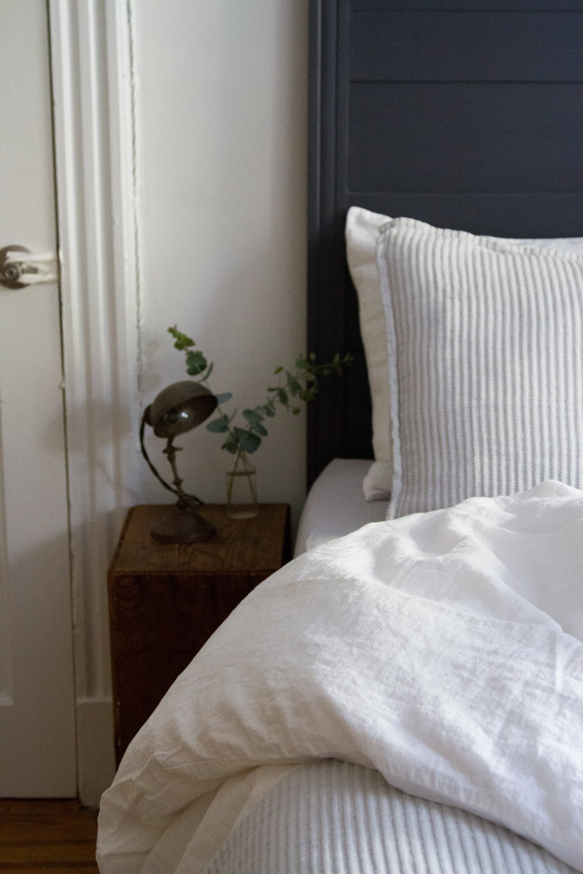 dressing a fall bed with parachute reading my tea leaves - Parachute Bedding