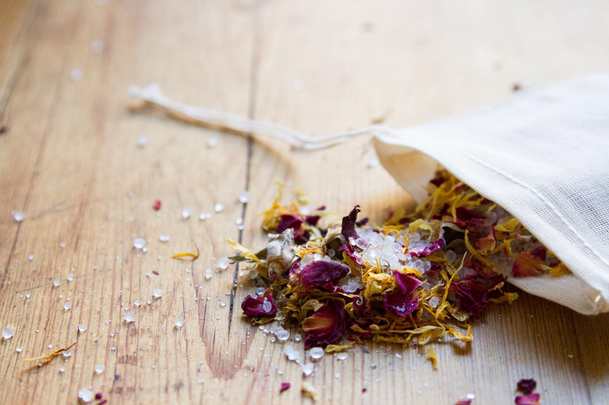 epsom salt soak | reading my tea leaves