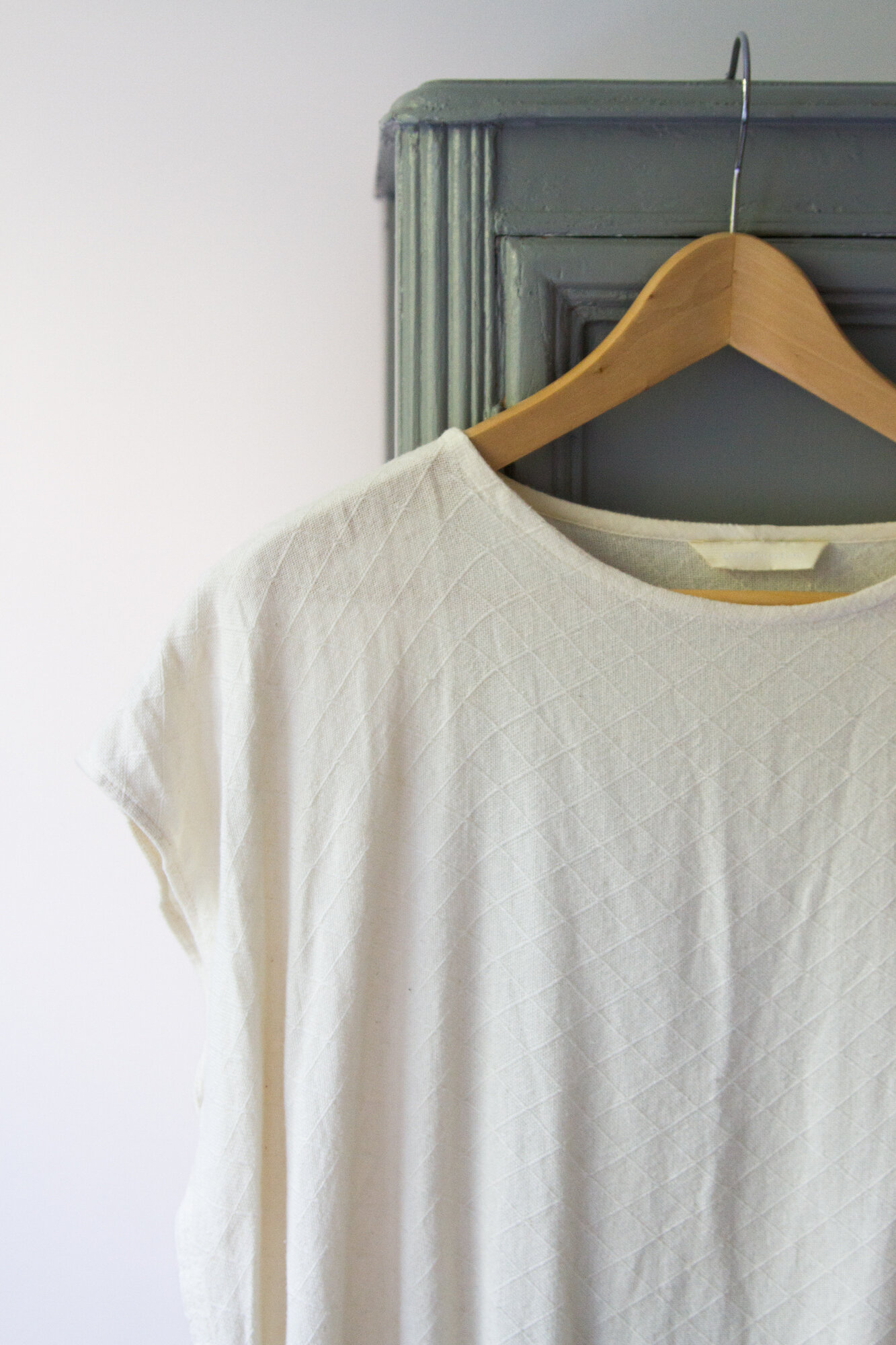 secondhand sustainable fashion | reading my tea leaves